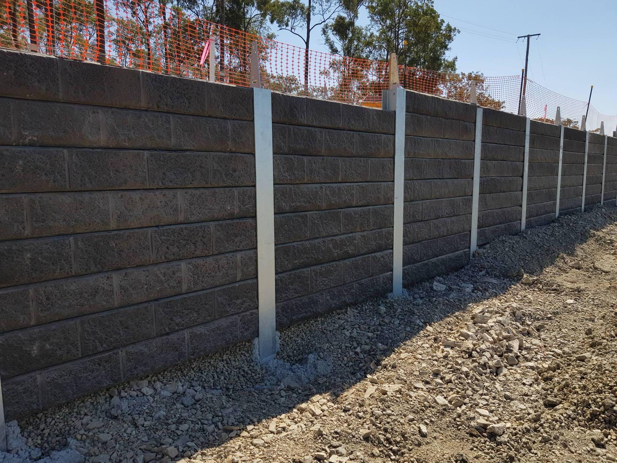 Pioneer Sandstone Effect Graphite Concrete Sleeper Retaining Wall For More Information Visit Aussieconcreteproducts Com Au Muros