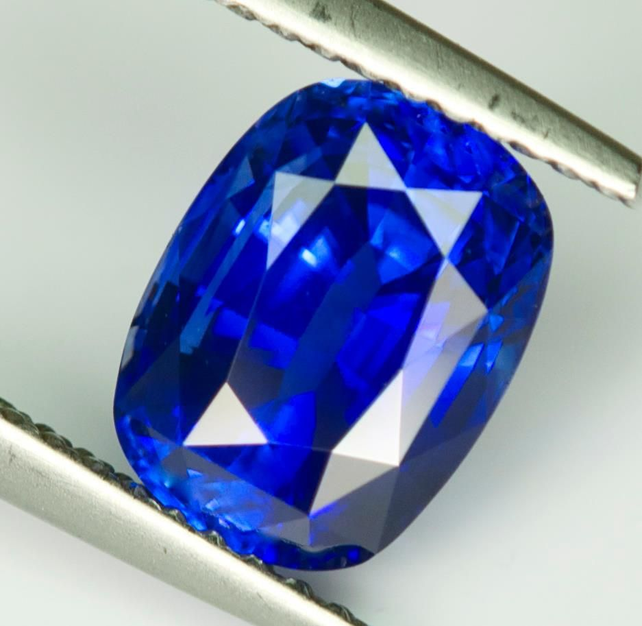 amazing rare royal vivid auc gemstone pin cutting blue awesome ct natural sapphire