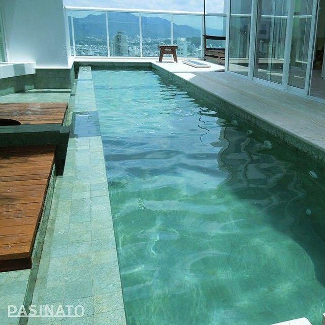 Mulpix detalhe da piscina com revestimento interno no - Piscina da interno ...