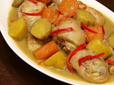 استمتع بتناول مرق الدجاج اللذيذ - كوست الخليج (قطع الدجاج مع مرق)