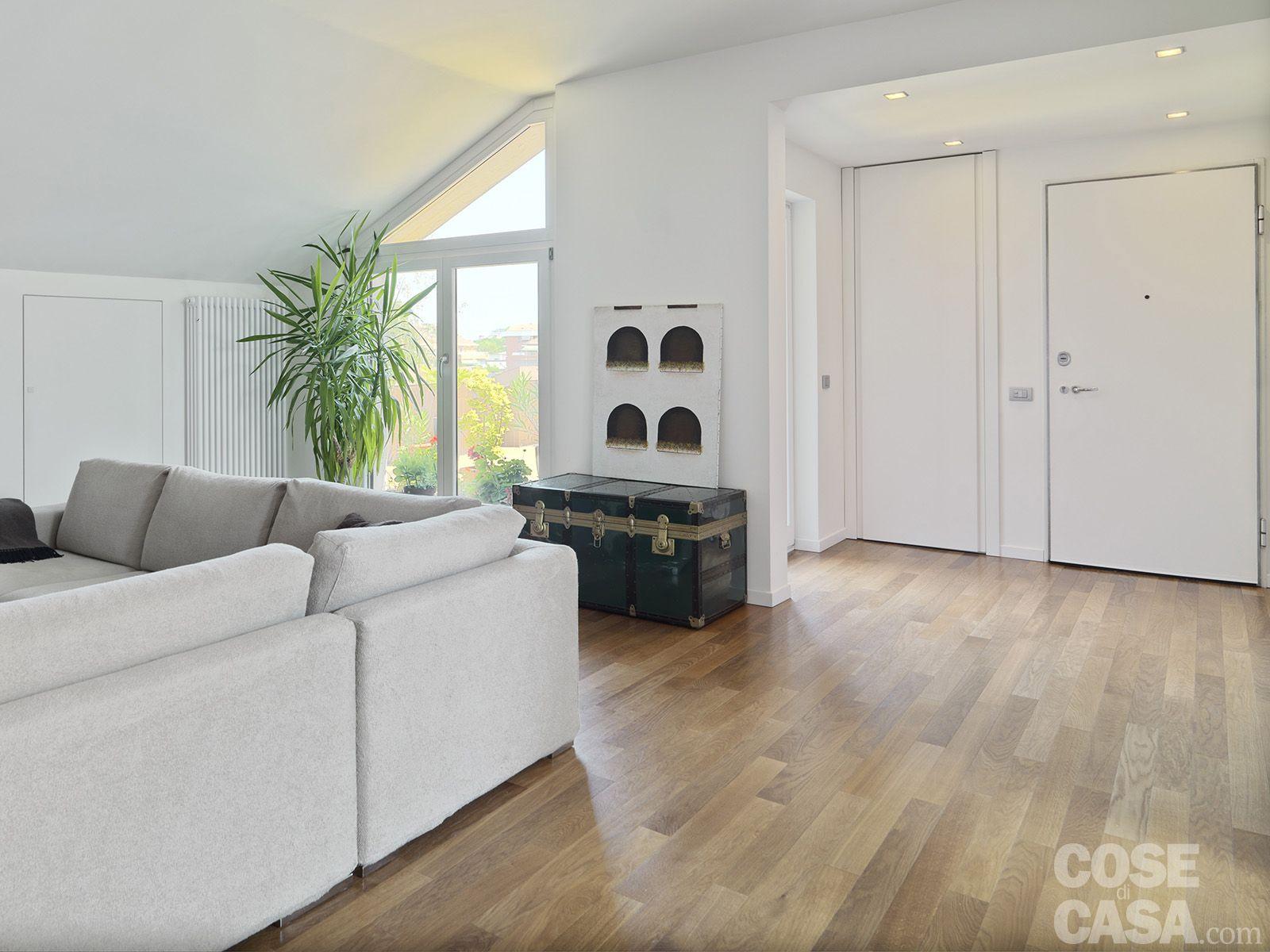Vivere in mansarda nuovo look per la casa sottotetto  Mansarda  Home Decor Home e Dining room
