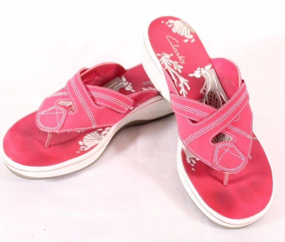 clarks pink flip flops