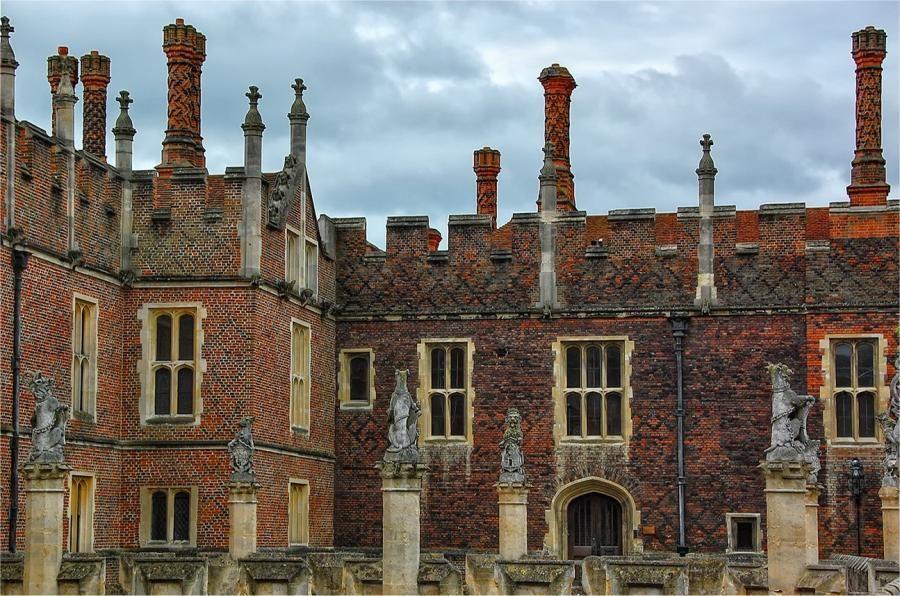 Tudor Chimney Pots Love the design of these chimneys.
