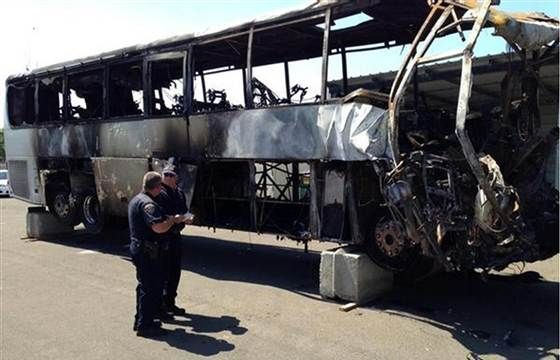 April 13, 2014. Investigators found no sign that a FedEx tractor-trailer braked before hitting a college-tour bus carrying high school students from the Los Angeles area, a National Transportation Safety Board spokesman said Saturday.  Read more: http://nbcnews.to/1hvKK8a #students #collegetourbuscrash #fedextractortrailer #nbcnews