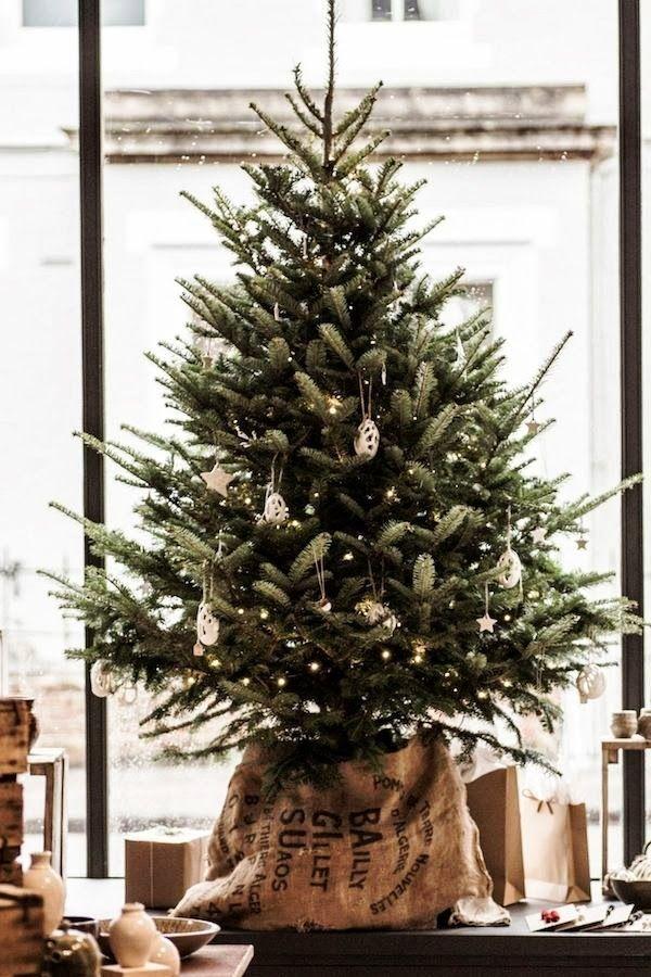 Mini Tree Ideas, Natural Christmas Decorating, Farmhouse Christmas, Rustic Christmas Style, Burlap #calculture #calcultureblog #calranchstores #ranchlife #farmlife #countrychristmas #christmas #farmchristmas #smallchristmastreeideas