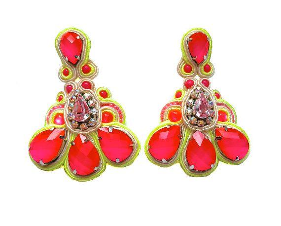 £50 #soutache #sutasz #embroidery #neon #pink #yellow #earrings #handamde #etsy #blackmarketjewels