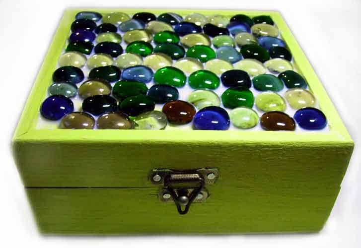 Resultado de imagem para caixa de madeira decorada