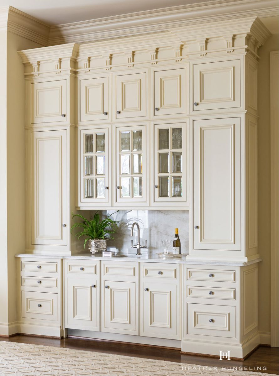 Clive Christian Kitchens Wentworth Place Hungeling Design In 2020 Cream Colored Kitchen Cabinets Luxury Kitchens Clive Christian Kitchens