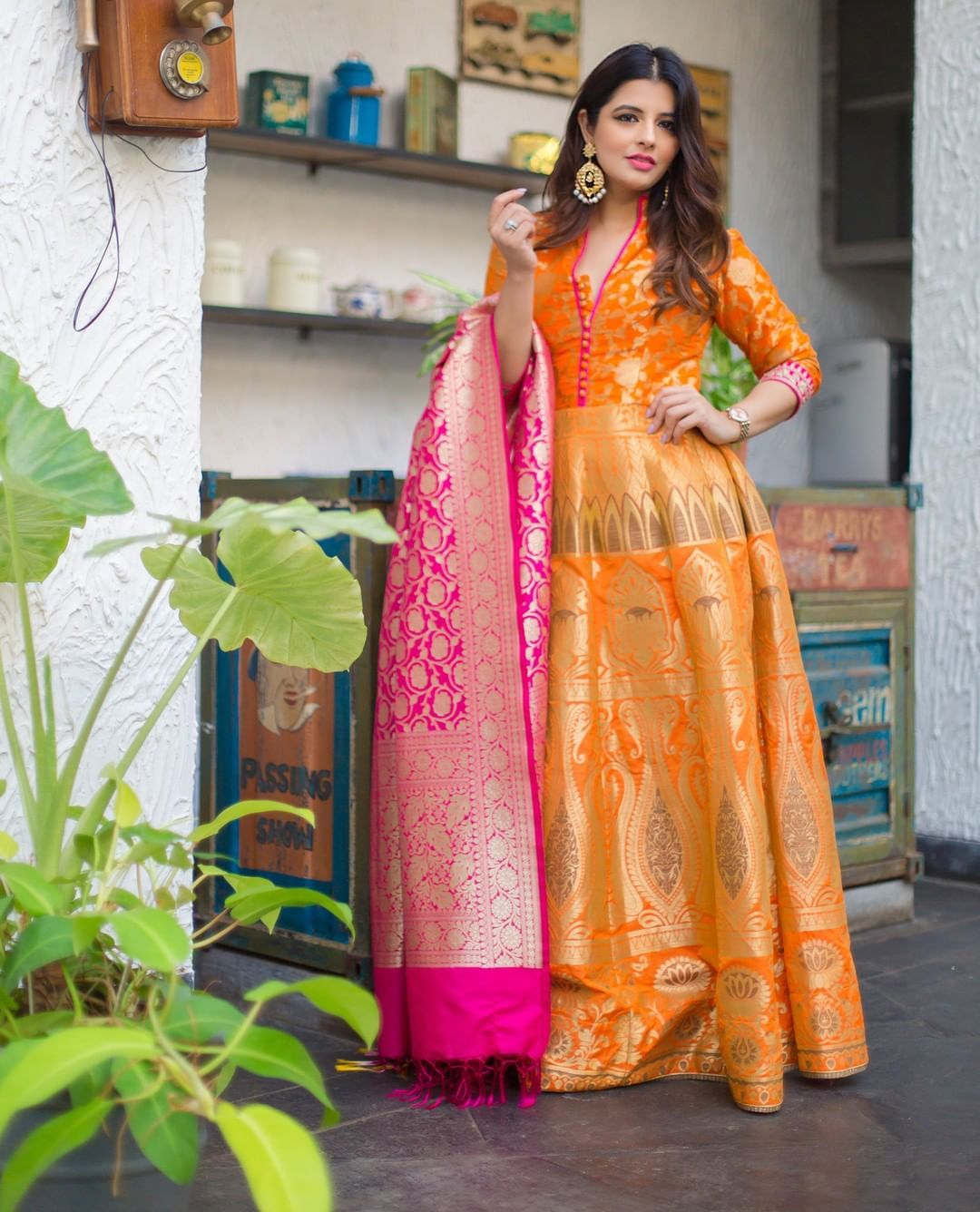 best dating indian lady dress