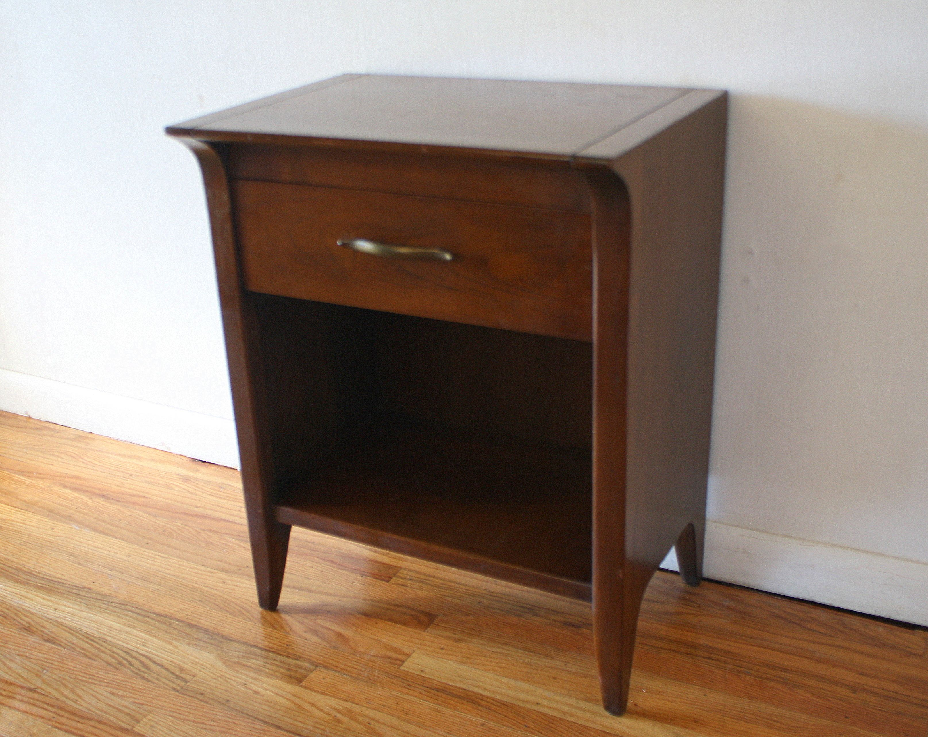Image of Drexel Accolode Console Bar Cabinet