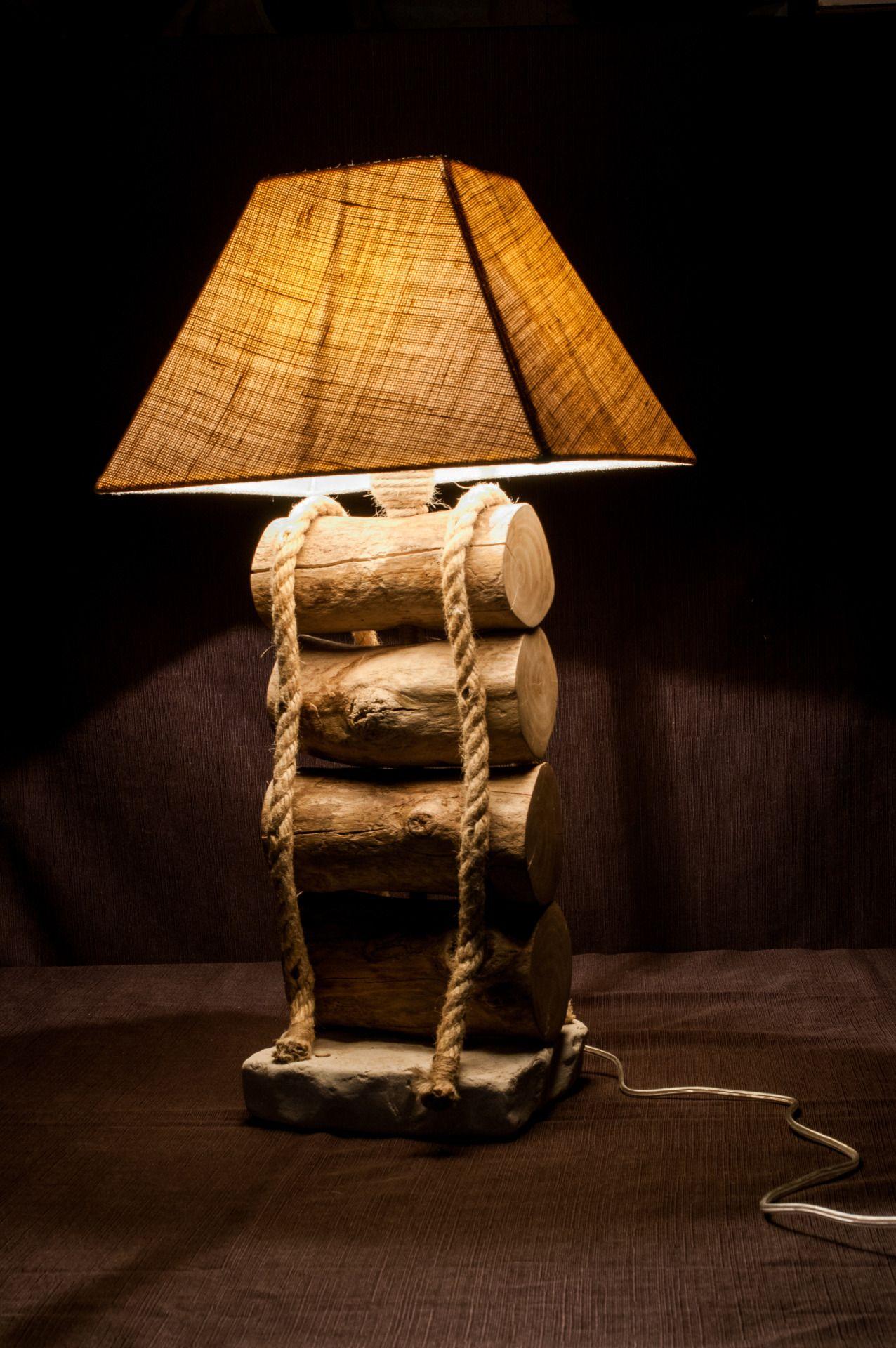 Lampada con base in pietra bianca legni di mare o bois for Legni di mare arredamento