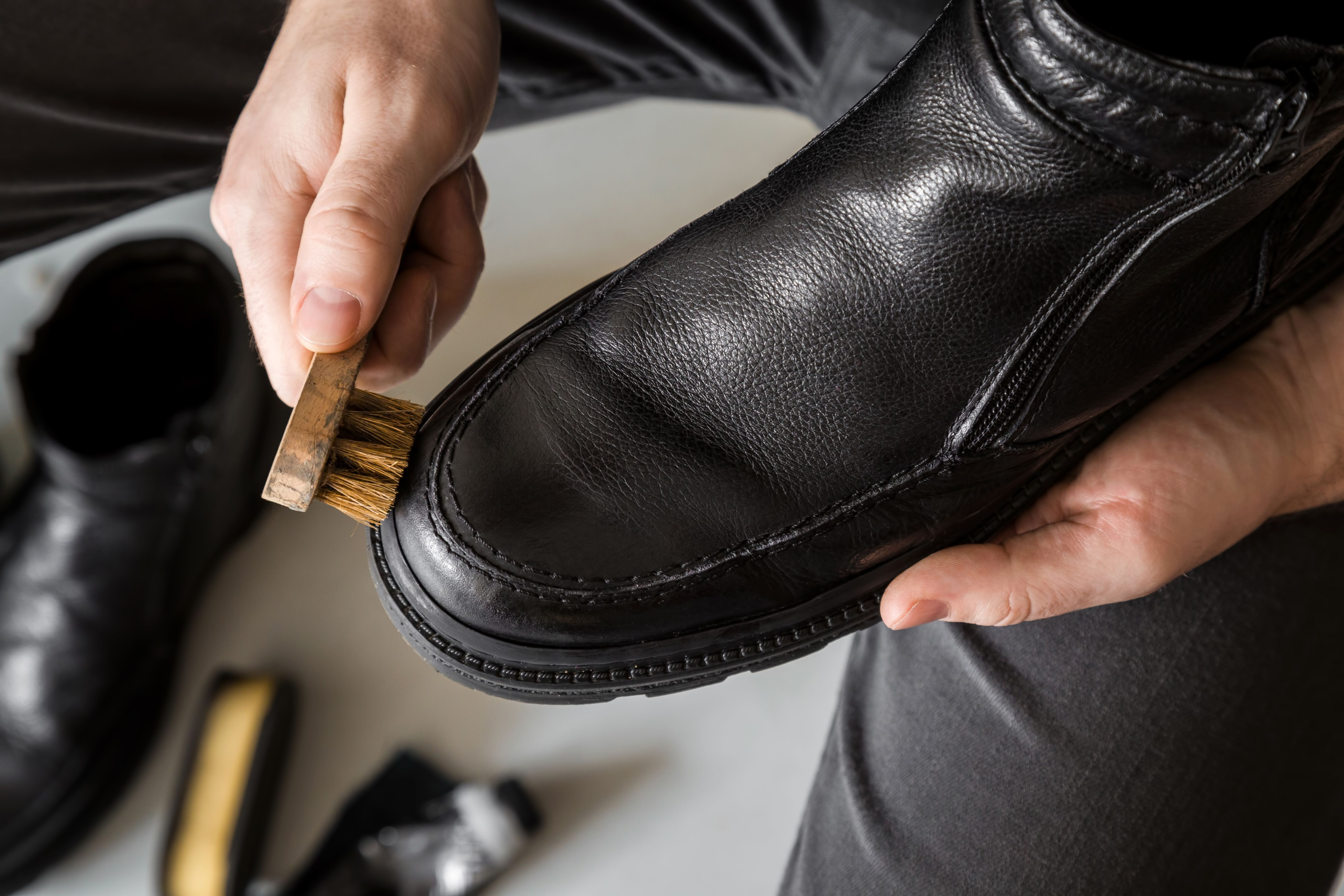 Yes Some People Still Polish Their Shoes Learn How To Remove Any Shoe Polish Stains From Clothes Carpet And Upholst Shoe Polish Black Shoe Polish Brown Shoe