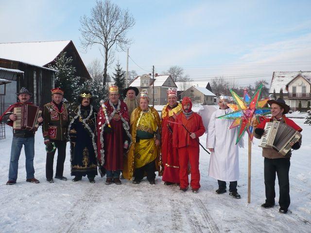 common singing of carols carol singers in Poland, (Christmas) carollers or carolers in Poland