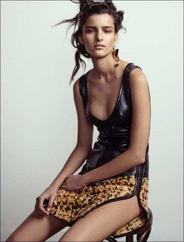 17 year old australian model astrid holler models to. Black Bedroom Furniture Sets. Home Design Ideas