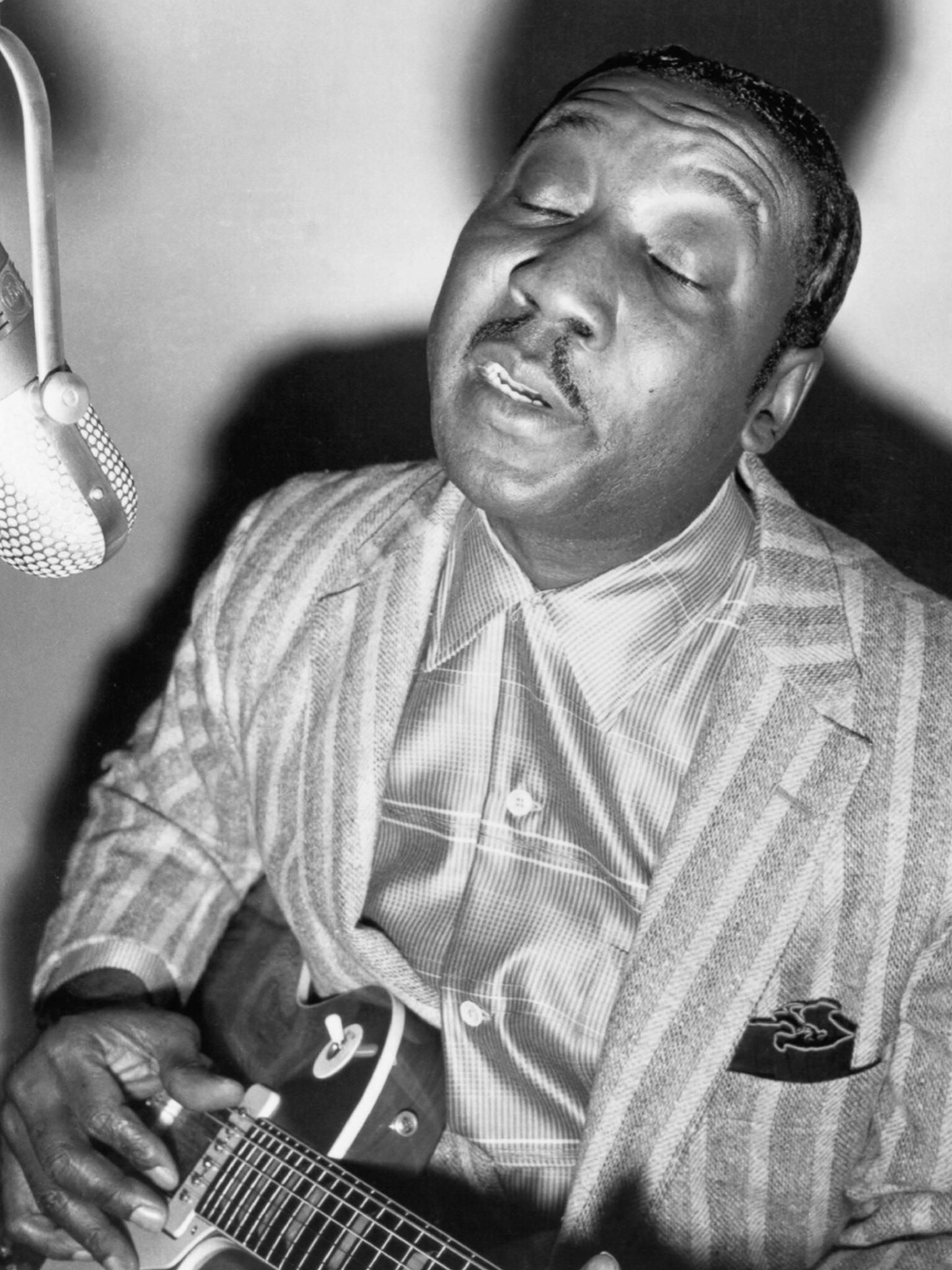 Blues icon muddy waters recording at chess records early