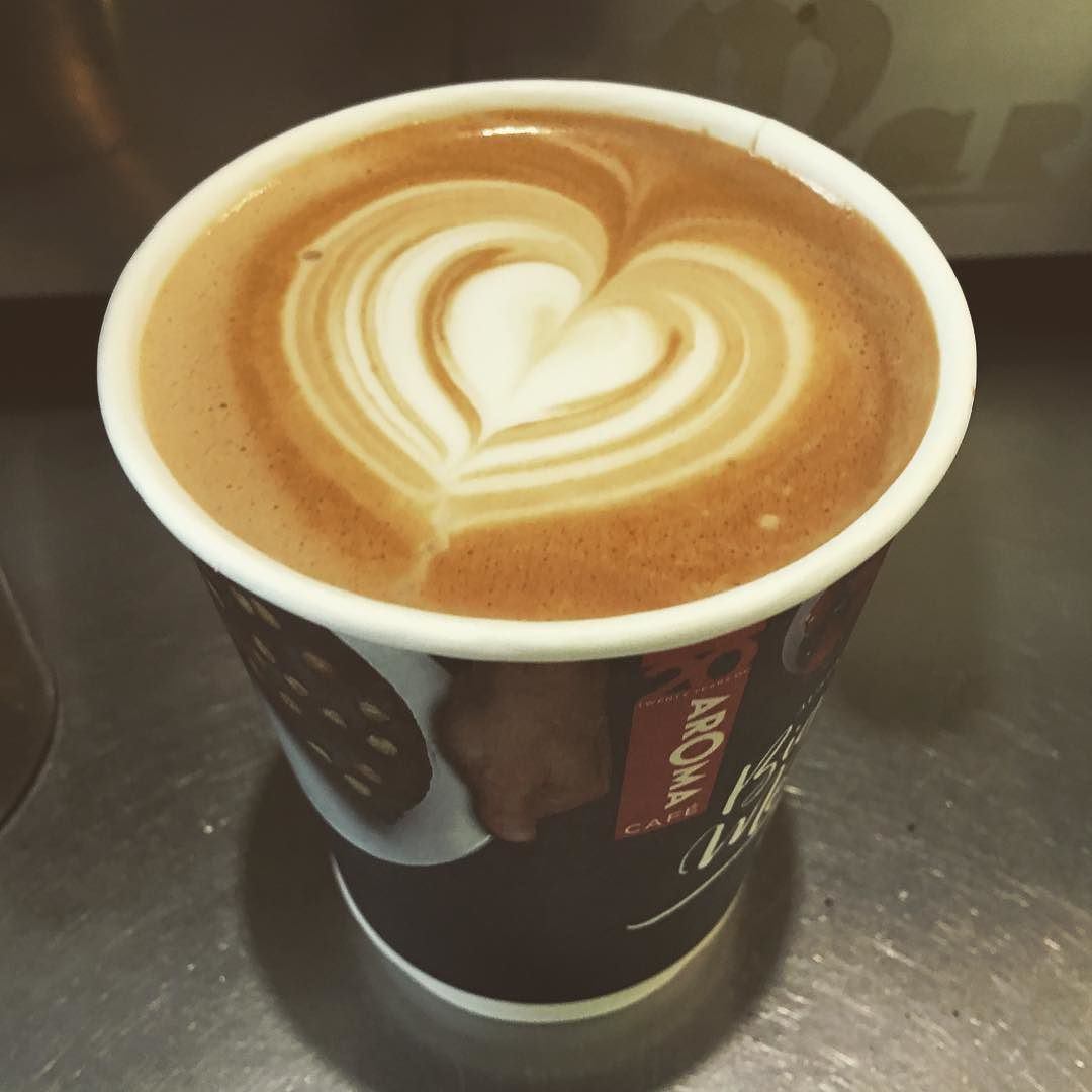Love coffee#lovecoffee #baristalife #latte #takeawaycoffee#coffee #perthfoodie #together20#takeaway #perthcoffee by cup_coffee_perth_
