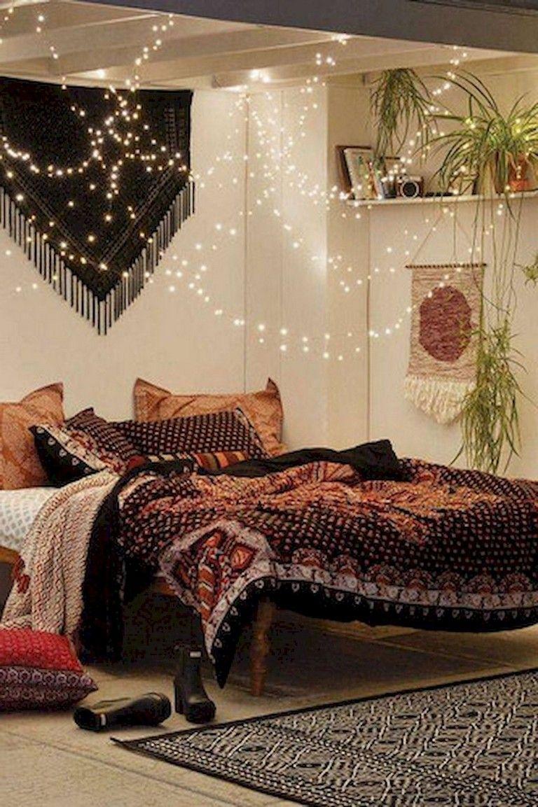 89 Cozy Romantic Bohemian Style Bedroom Decorating Ideas Bohemian Style Bedrooms Bohemian Bedroom Decor Bedroom Decor