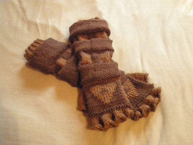 Legend Of Zelda Knitting Pattern : Link s gauntlets i am allergic to