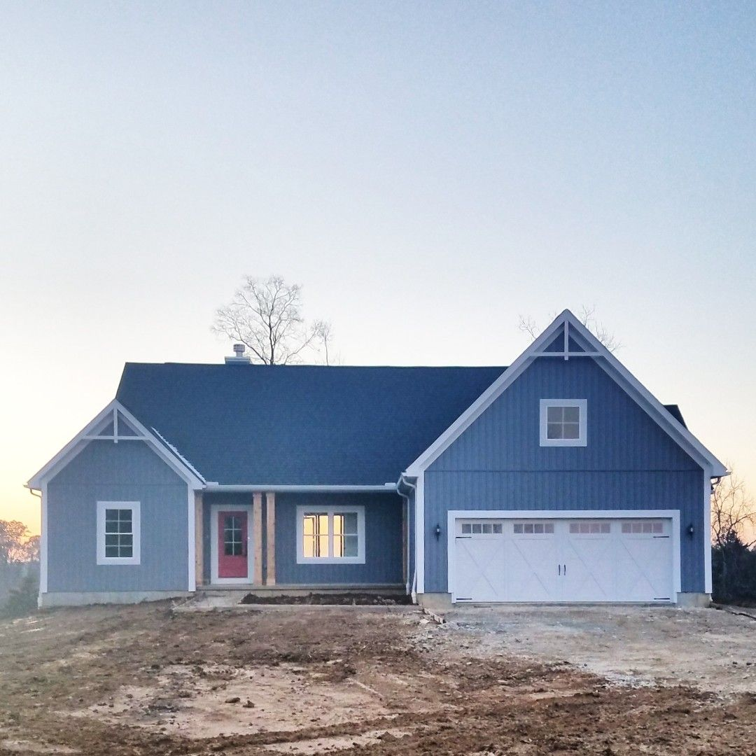The Perfect Pop Of Color For The Front Door This Abernathy Modern Farmhouse Was Built In California Ky By Our Modern Farmhouse Front Door Outdoor Structures