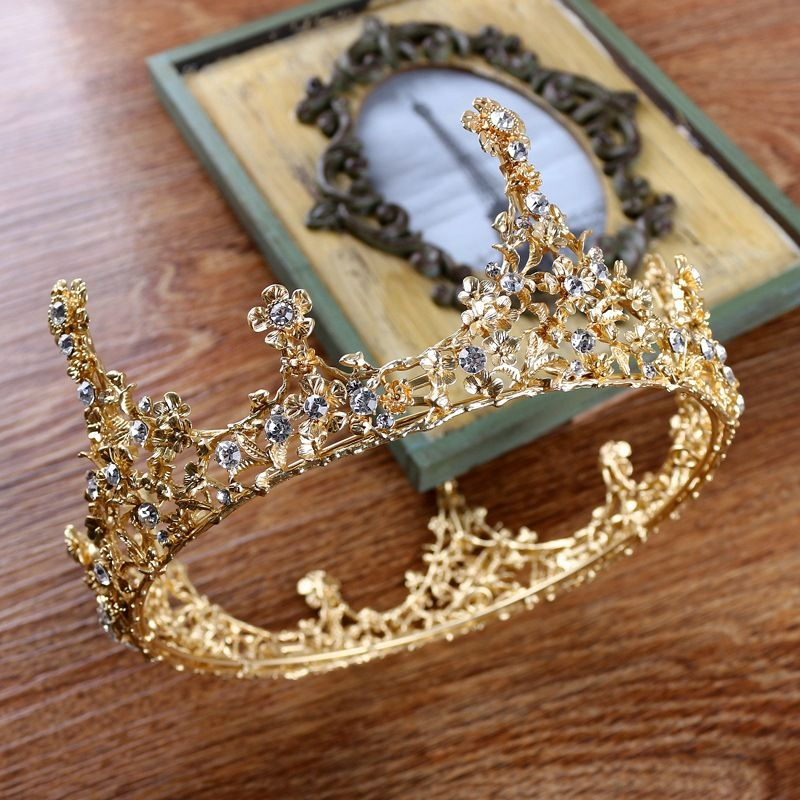 Hairstyles With Crown Queen: Pin By Amy Désirée Goldstein On Crowns