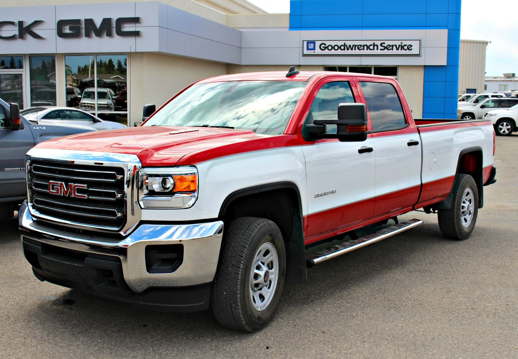 What Do You Think Of This Customer S Retro Paint Job Truck Mods Gmc Trucks Cool Cars