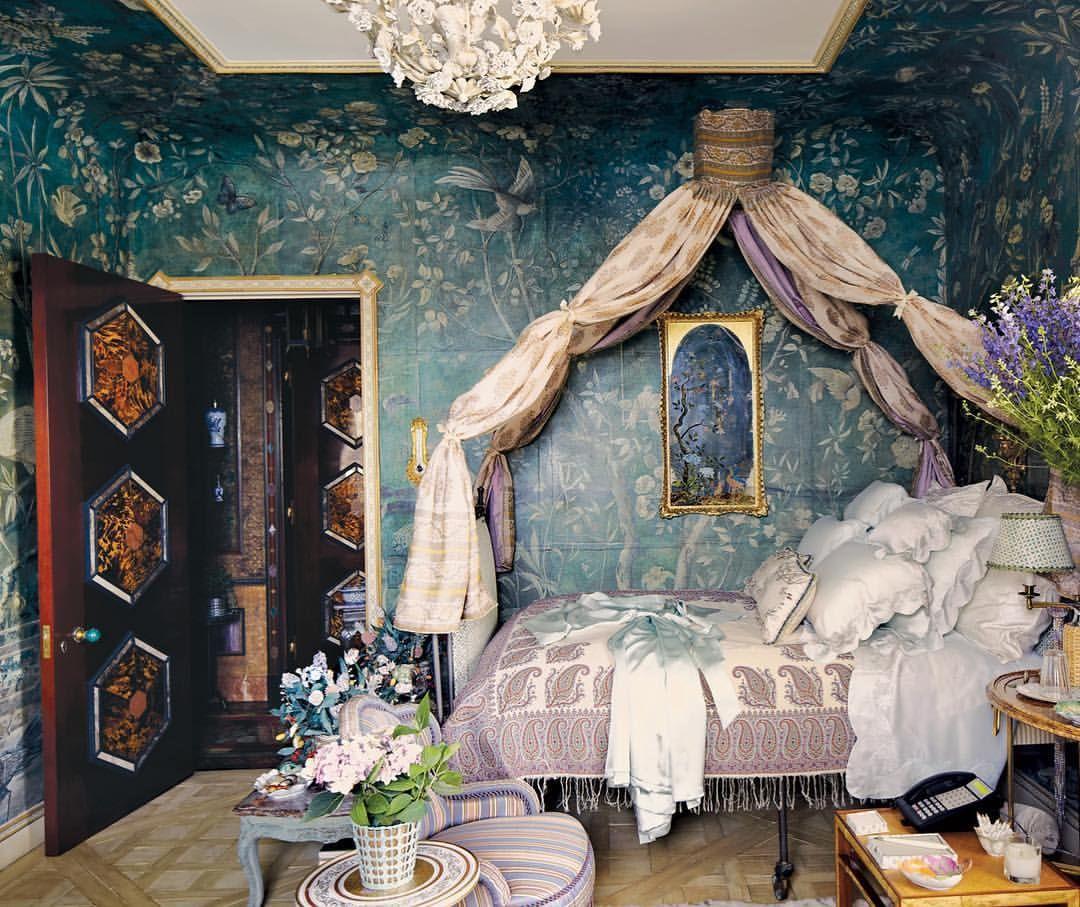 Howard Slatkin's Dreamy Guest Bedroom Fantasy Garden ...