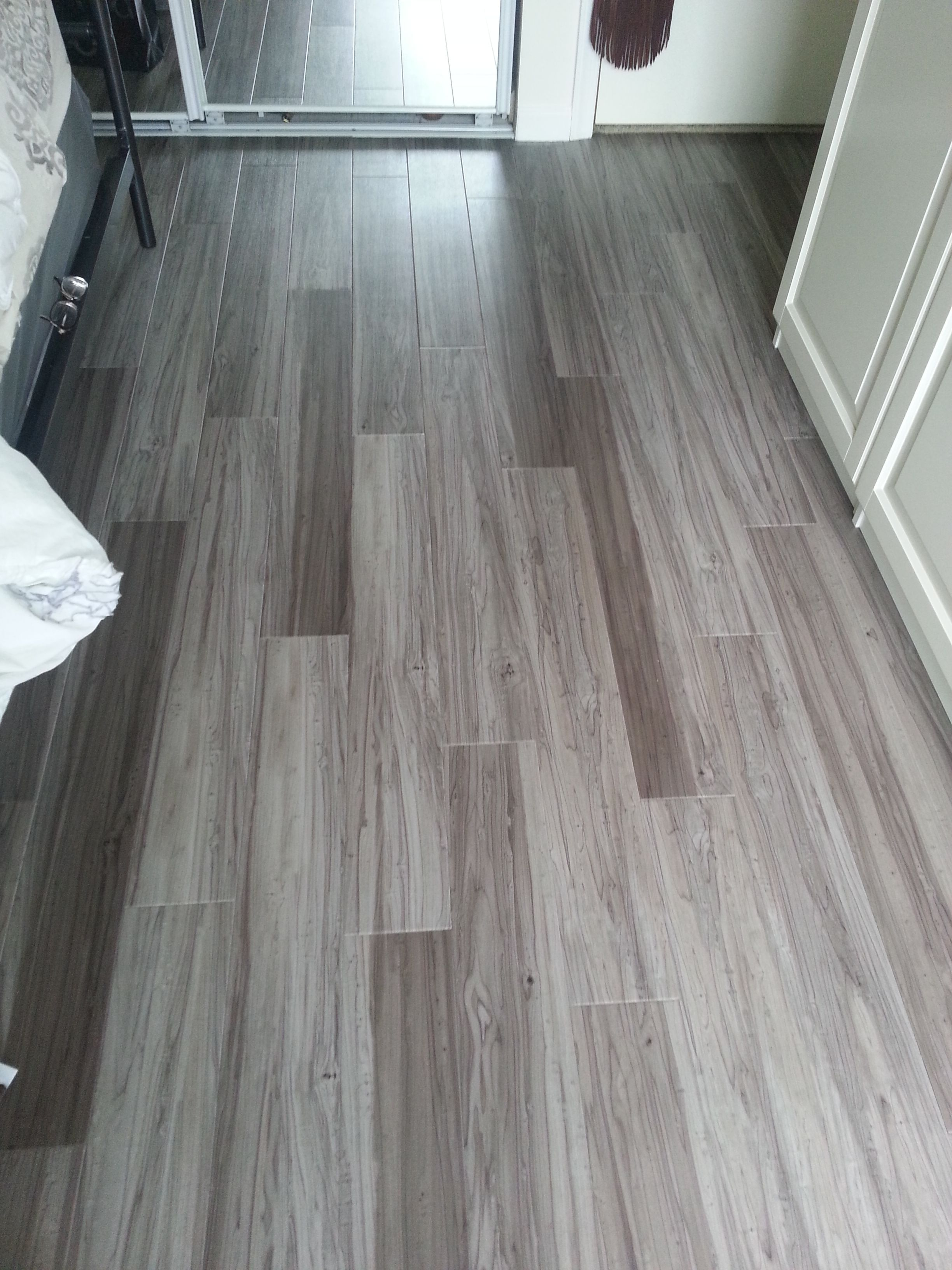 5 in x 36 in Grey Maple Resilient Vinyl Plank Flooring 22 5 sq