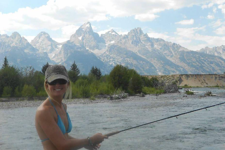 Liz Fly Fishing On The Snake Jackson Hole Wyoming Fishing World Fly Fishing Trout