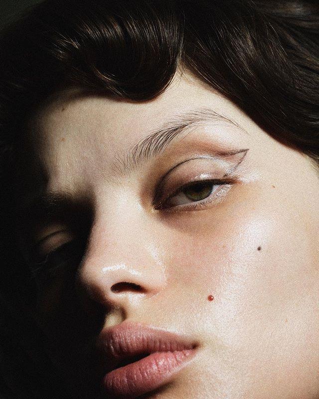 Crushing on @moroccanoil curls http://ift.tt/2jgUnAi Photography / @jasonhetheringtonModel / @barmaldonadoHair / @sinavelke using @moroccanoil Make-Up / @shinobuabemua #SchonMagazine #beautyeditorial #beauty #fashion #onlineexclusive #fashioneditorial #makeup #picoftheday #instagram #instafashion #inspiration #pic #picture #photography #Hair  via SCHÖN MAGAZINE OFFICIAL INSTAGRAM - Celebrity  Fashion  Haute Couture  Advertising  Culture  Beauty  Editorial Photography  Magazine Covers…