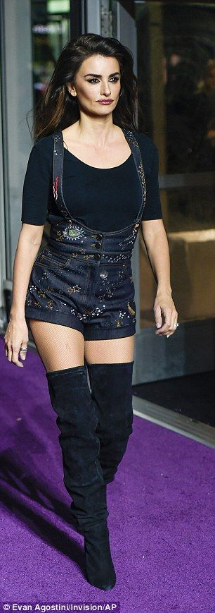 Penelope Cruz is stylish in thigh high