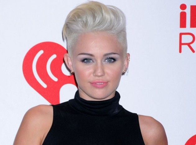 Miley Cyrus: he offers a X rated