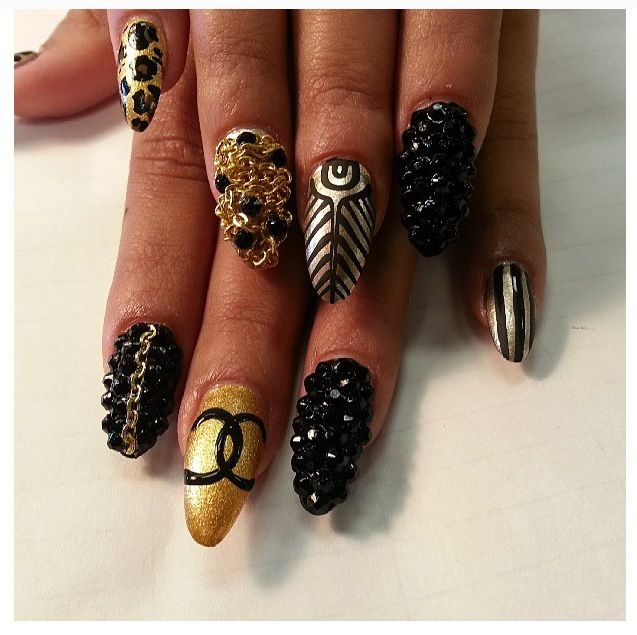 Thenailpicasso Does It Again Love The Black N Gold Nail Designs