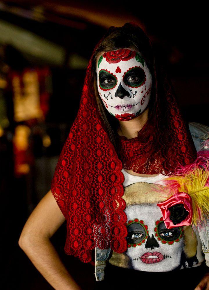 Maquillaje Día de Muertos. / Day of the Dead makeup.