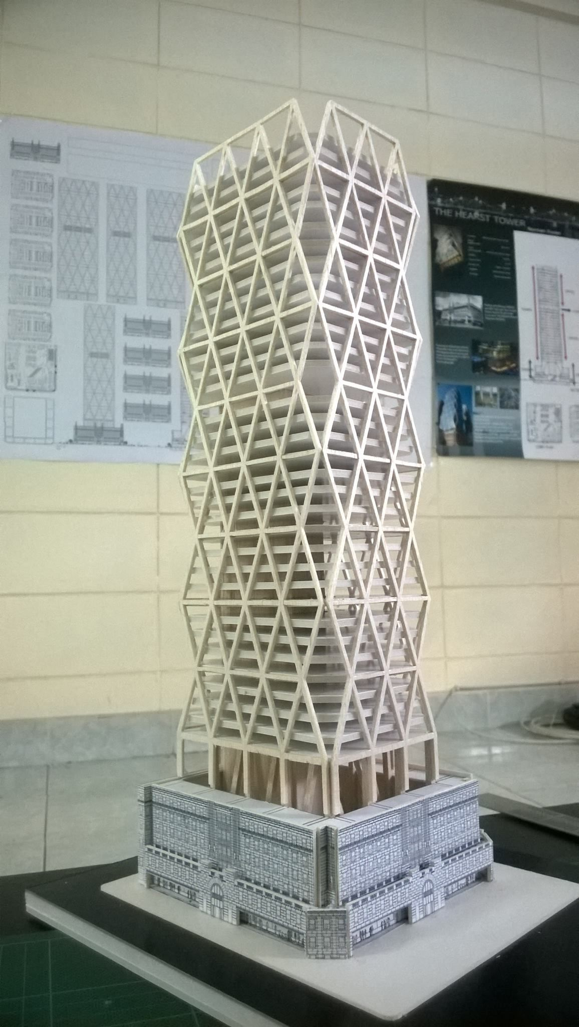 High rise structural model the hearst tower norman for Norman foster strutture