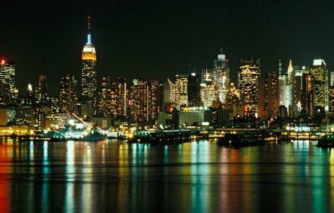Dynamic City Backgrounds Desktop Image New York Wallpaper Nyc Skyline City Skyline