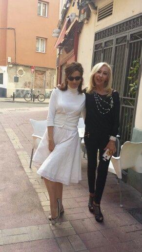 Ana y yo y mi falda JULUNGGUL www.julunggul.com