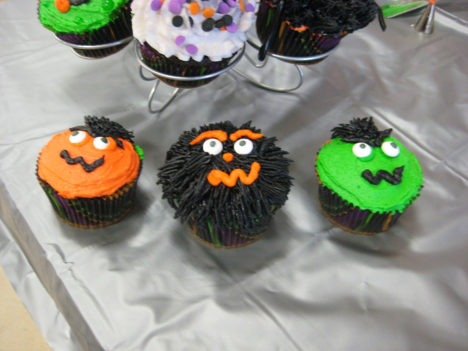 Halloween+Cupcake+Decorating+Ideas Fun Halloween Cupcake - Halloween Cake Decorating Ideas