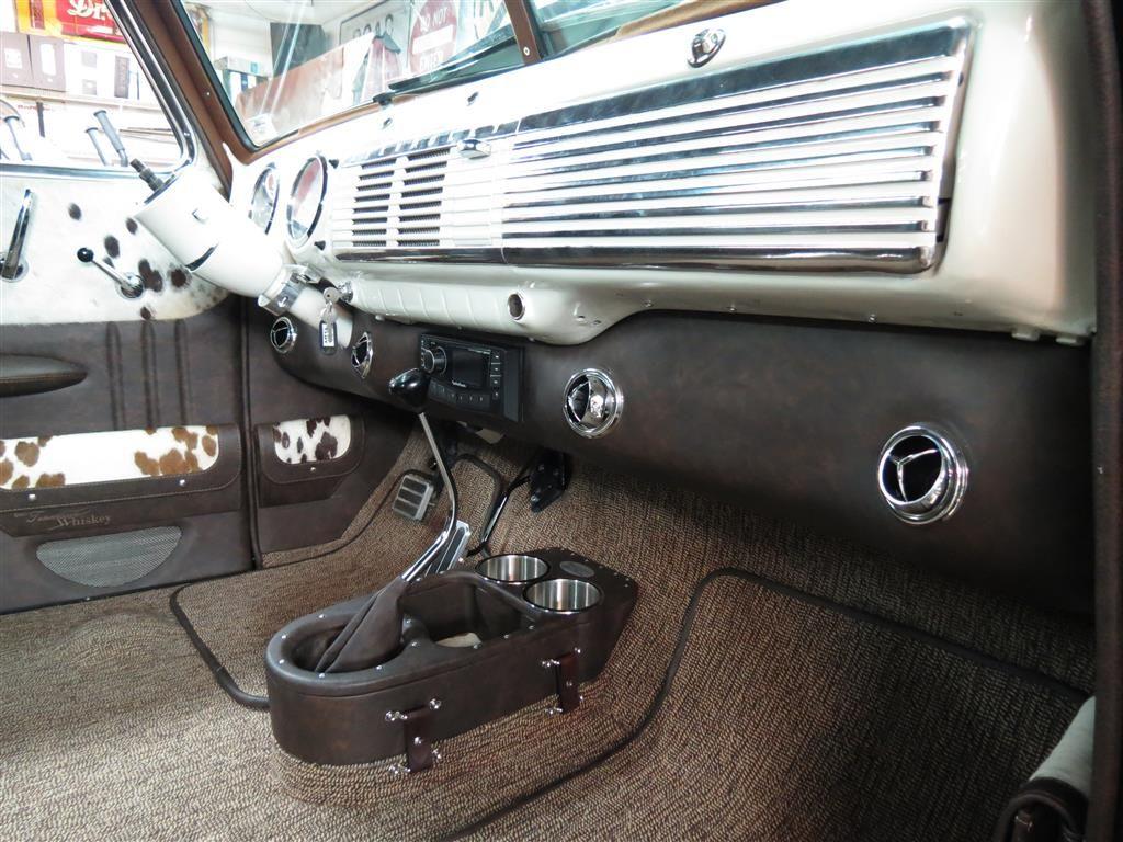 1953 Chevrolet Truck Leather Custom Interior Interiors By Shannon Classic Pickup Trucks 1952 Chevy Truck Chevrolet Trucks