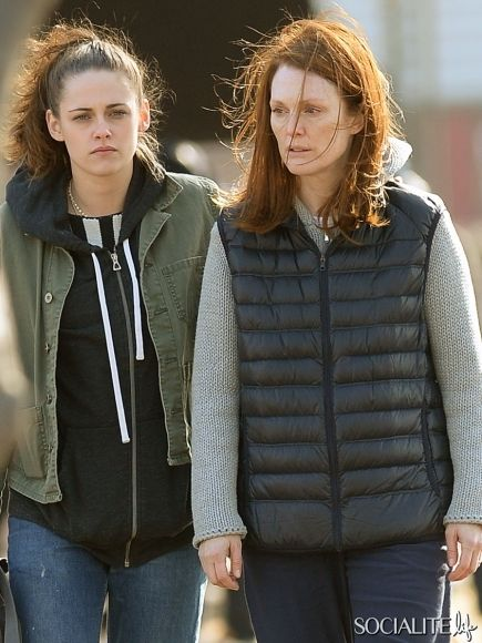 Kristen Stewart And Julianne Moore On Set Of 'Still Alice'