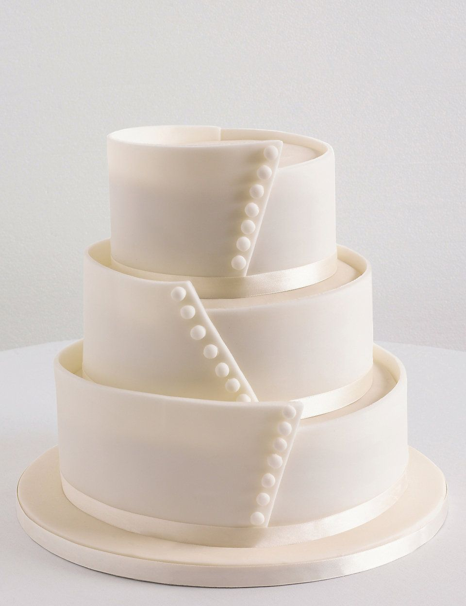 Button Sponge Wedding Cake   M&S   Deco cake ❤   Pinterest ...