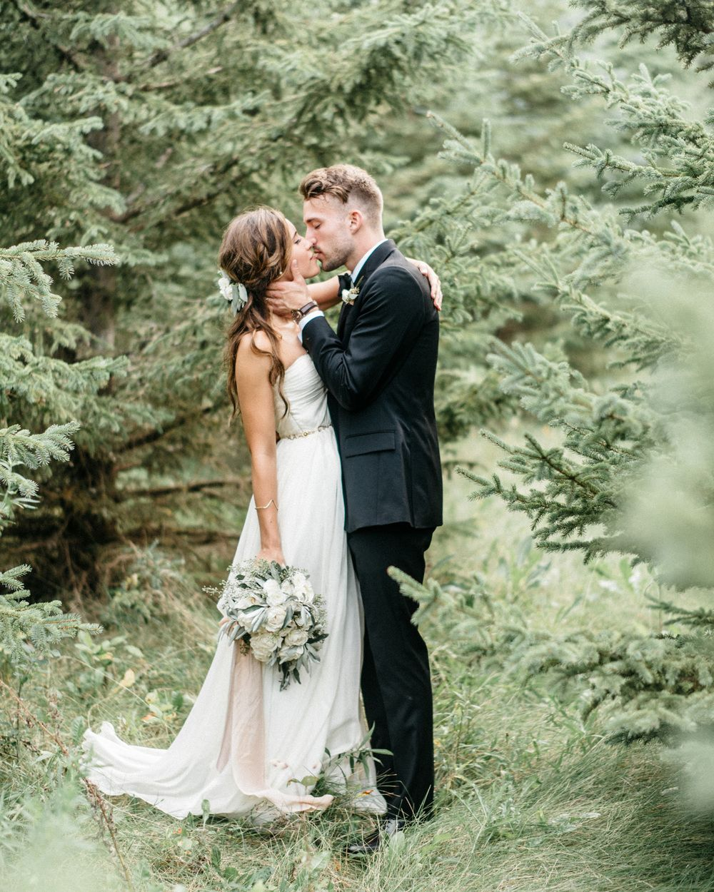 Wes & Bethany's Moment Filled Minnesota Countryside Barn