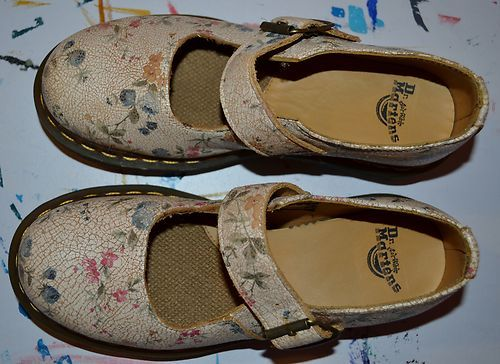 Rare Dr.Martens -Women size 6 US , Mary Janes style with a flower pattern and a crackle leather design. This shoes are pre-owned but the soles and inside are basically like new. These mary janes are extremely cute; they will complete any look and any style from day to night.