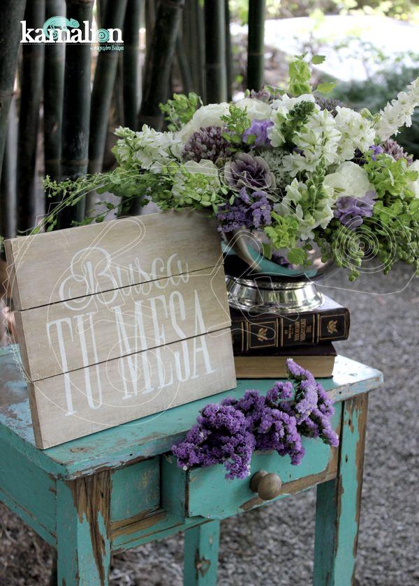 Decoraci n decor boda lila for Arreglos de mesa para boda en jardin