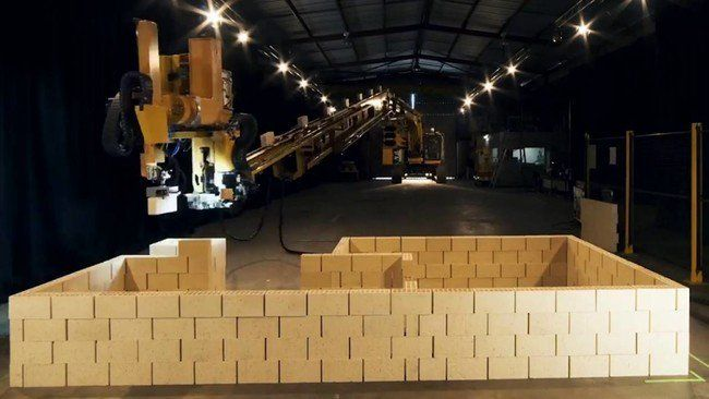 Adiós a los albañiles: este impresionante robot es capaz de crear una casa en sólo dos días http://bit.ly/2nZmWkr http://bit.ly/2ncSTsB #CPMX8 Quiriarte.com