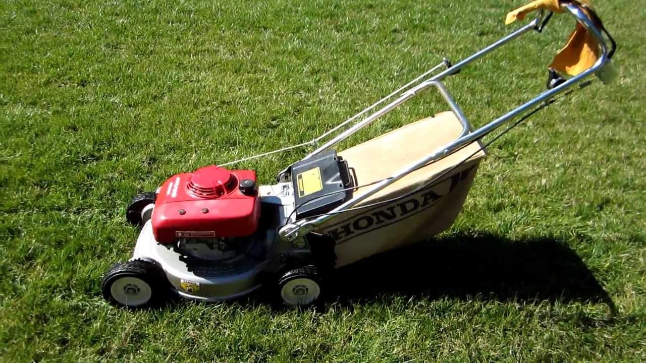 An Older Honda Lawn Mower Model Tbt Lawn Mower Lawn And Garden Mower