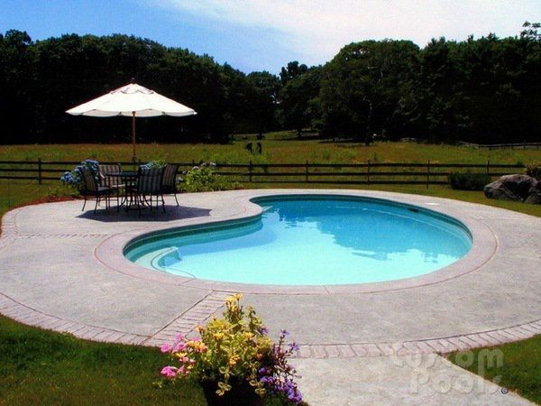 Small Garden Pool Design Ideas Kidney Shaped Swimming Pool Parasol Sitting Area Garden Pool Design Kidney Shaped Pool Pool Landscaping