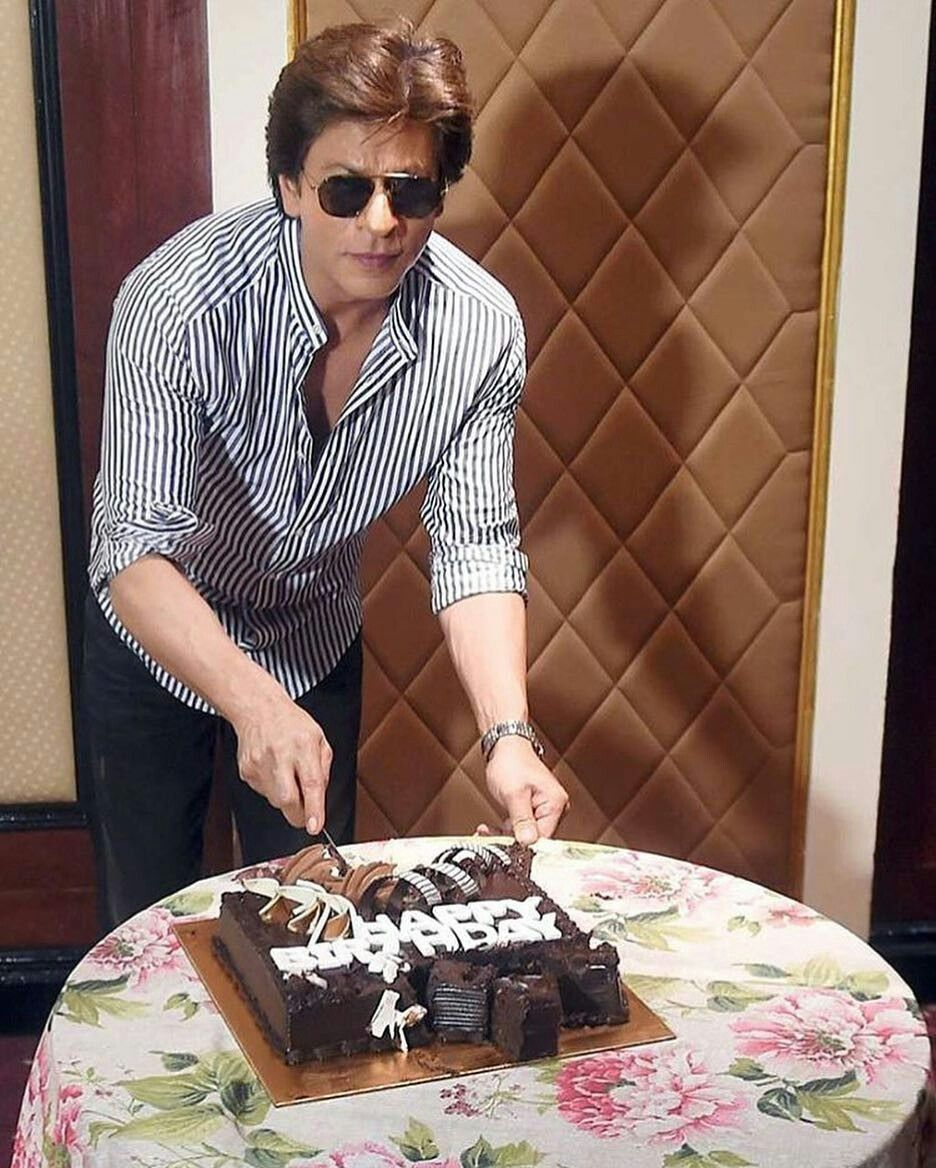 Happy birthday King Khan 🎂🎉🎈..2k19 (With images) Happy