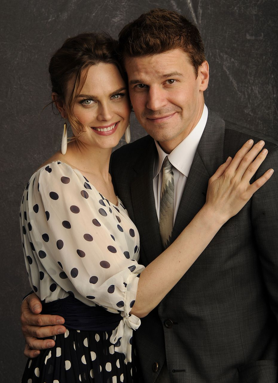 Emily Deschanel and David Boreanaz by far one of my favorite TV couples