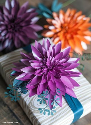 Diy Paper Dahlia With Free Printable Template Printable Decor Paper Flowers Diy Paper Dahlia Flower Crafts