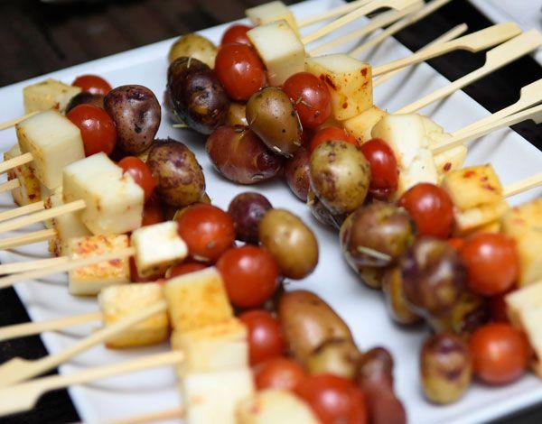 pinchos queso de cabra y tomate